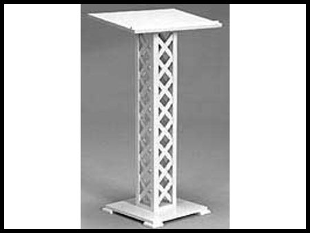 Podium White Lattice